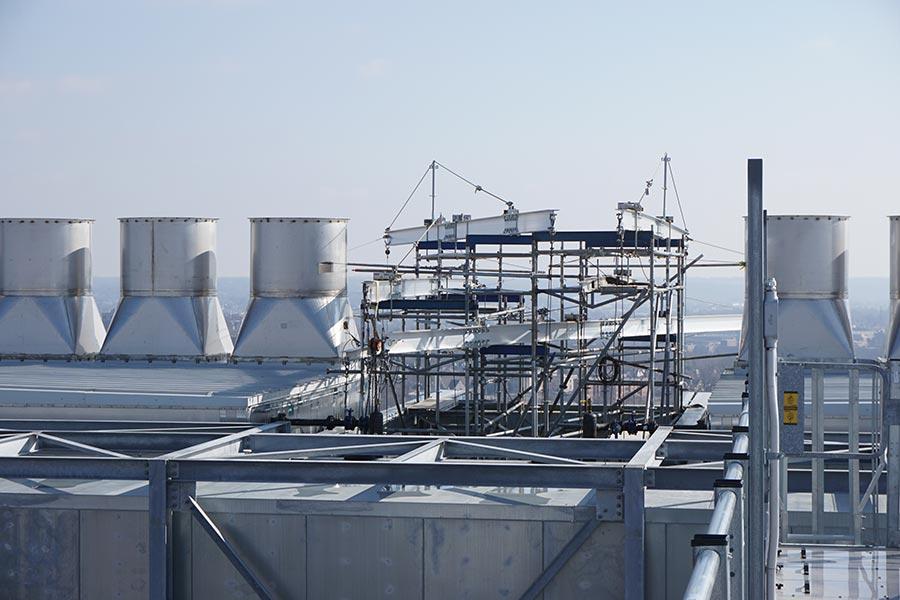 childrens-hospital-location-t-cincinnati,-ohio-(-multiple-10x6-beams-on-scaffolding-towers)