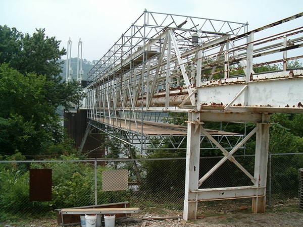 systems scaffolding on bridge